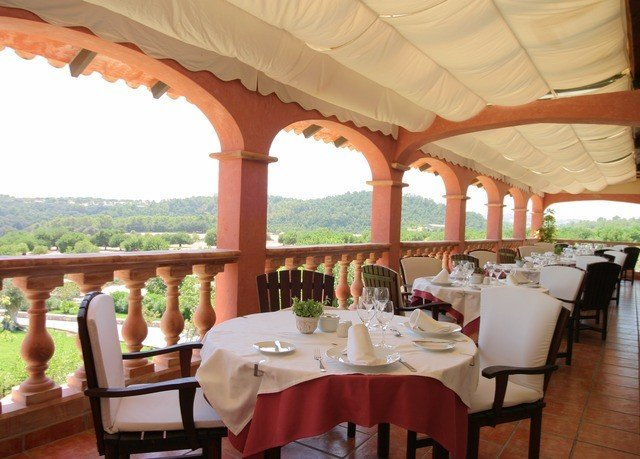 chair restaurant Resort Dining function hall hacienda Villa colonnade