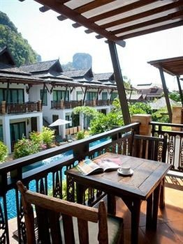chair property Resort Villa cottage Dining outdoor structure restaurant eco hotel hacienda porch dining table