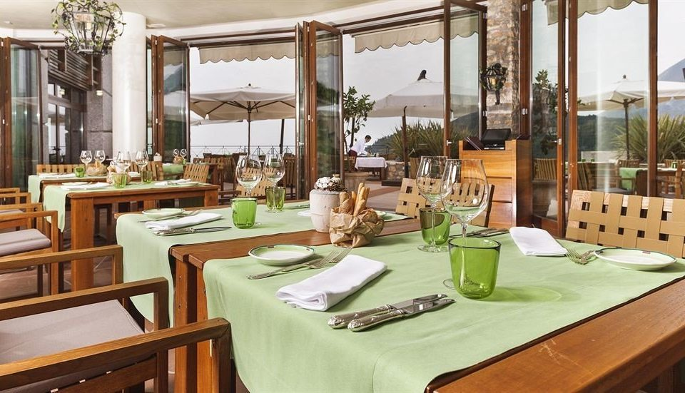 chair restaurant property Dining green Resort home Villa mansion set