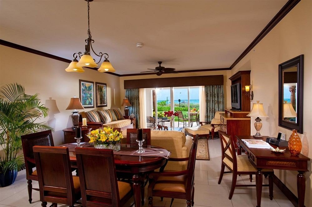 property home living room Villa Dining cottage condominium Resort farmhouse