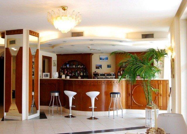 property home Dining restaurant Villa condominium living room Resort dining table