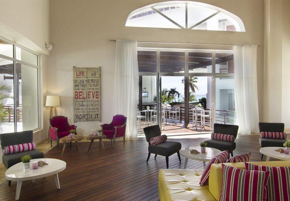 property living room Resort home condominium Villa Dining restaurant cottage set
