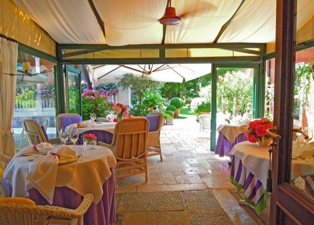Resort property restaurant Villa hacienda cottage eco hotel Dining