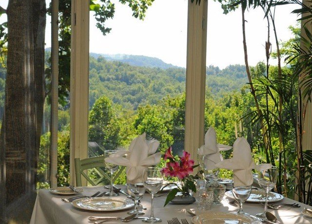 tree property Resort Dining restaurant floristry home flower Villa cottage hacienda mansion porch set dinner dining table