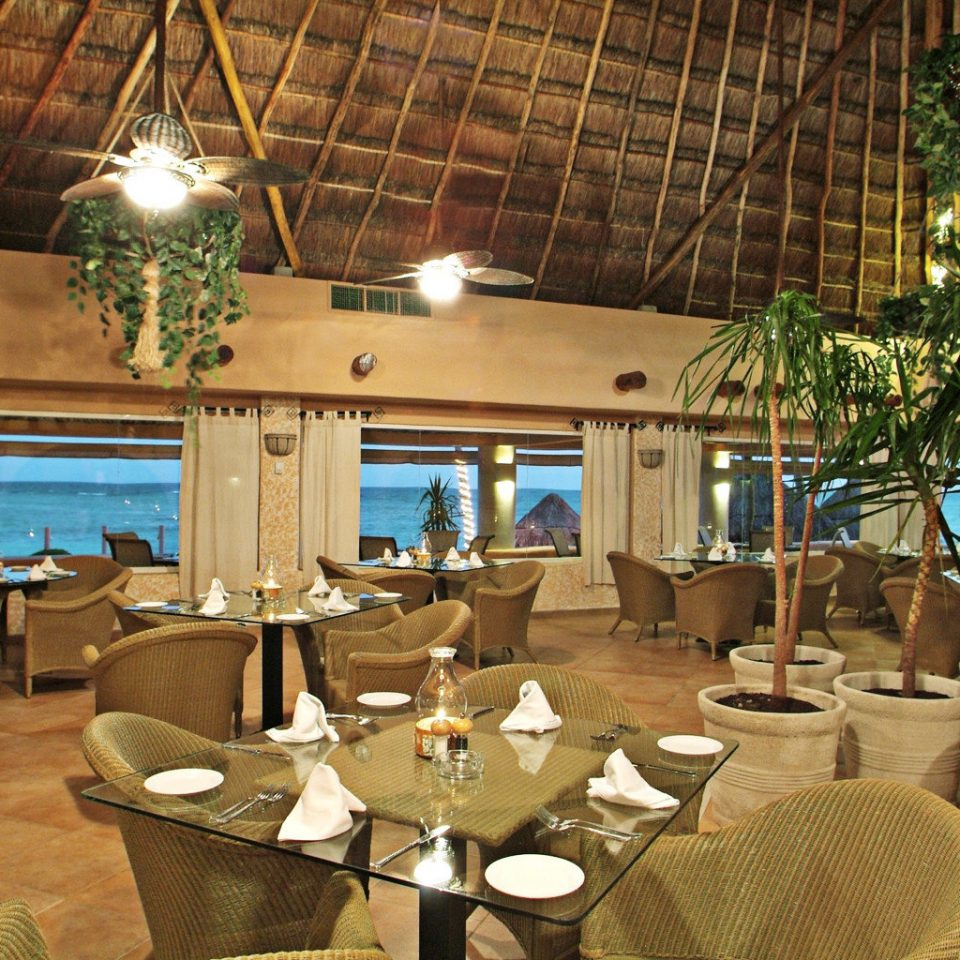 Dining Resort Waterfront property restaurant home Villa cottage hacienda set