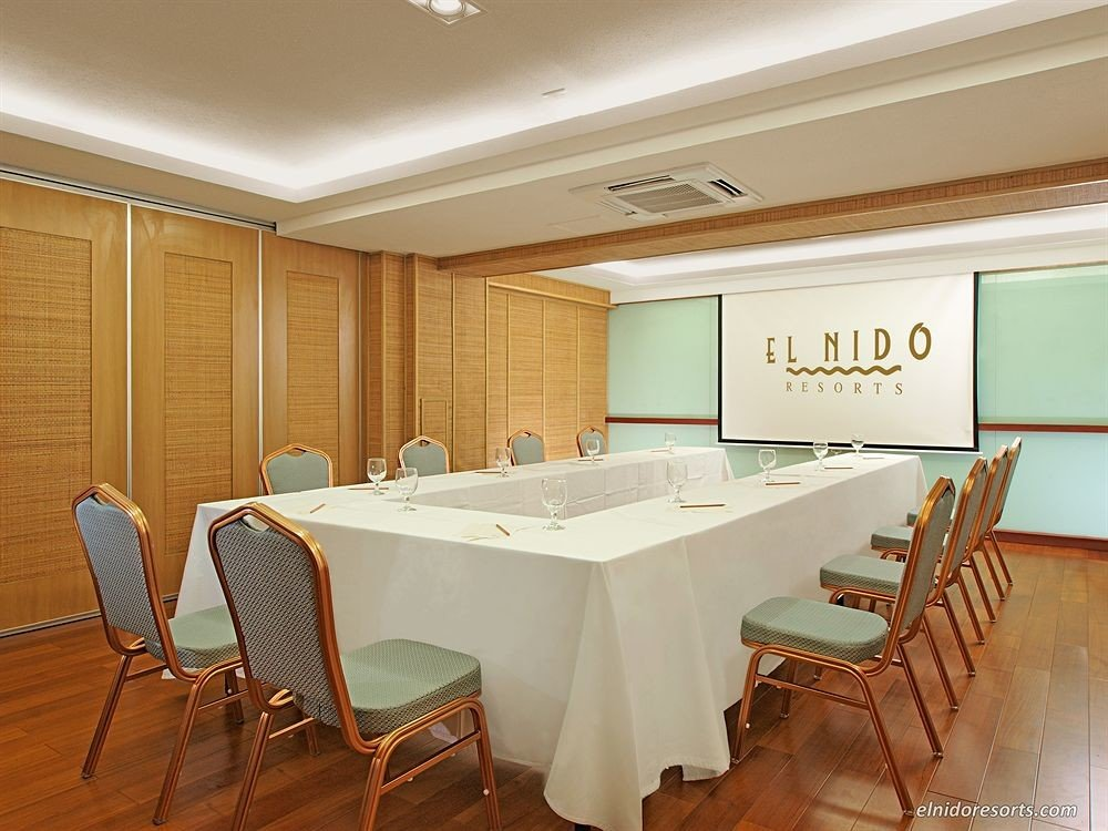 chair property conference hall function hall Suite restaurant Dining dining table