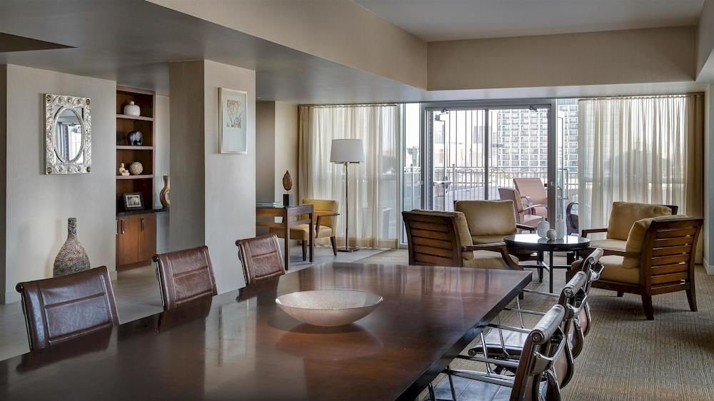 chair property condominium living room Dining home hardwood Suite cottage Villa dining table