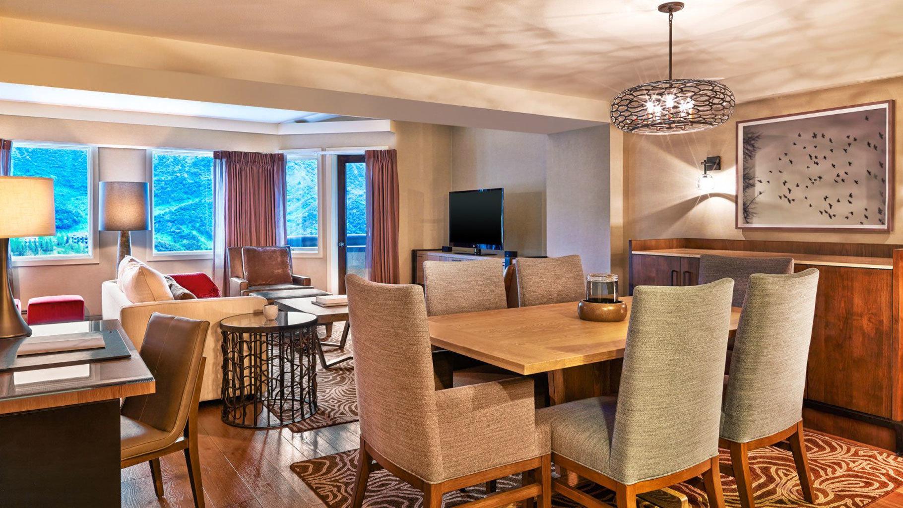 chair property Suite living room home condominium cottage Dining Villa