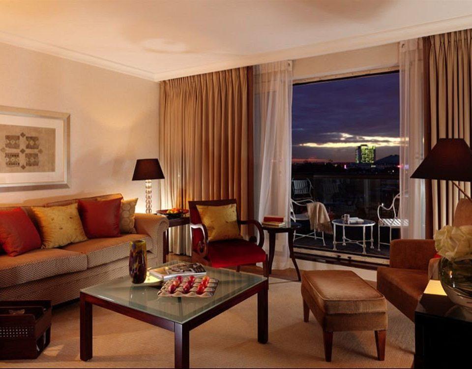 sofa property living room Suite condominium Dining Villa