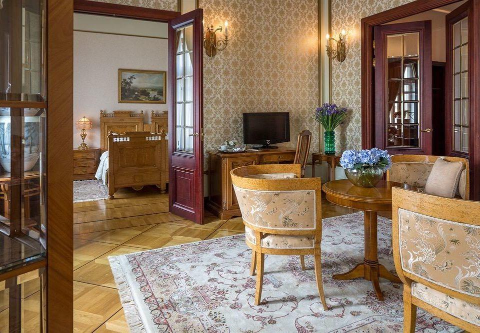 property home cottage living room hardwood Suite mansion farmhouse Villa Dining