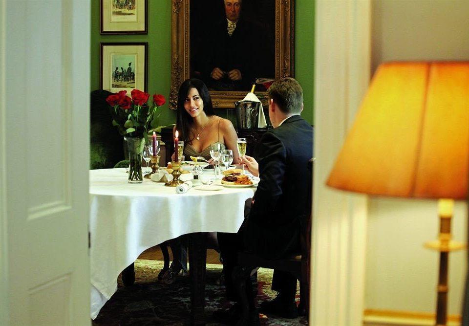 restaurant dinner sense dining table