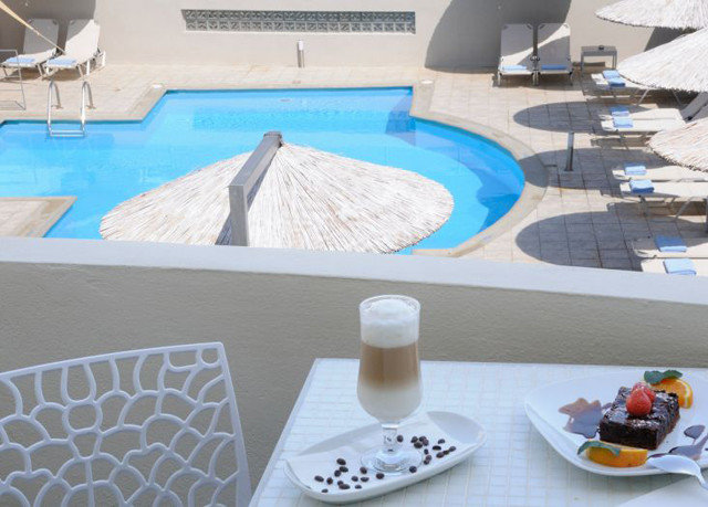 swimming pool jacuzzi flooring dining table