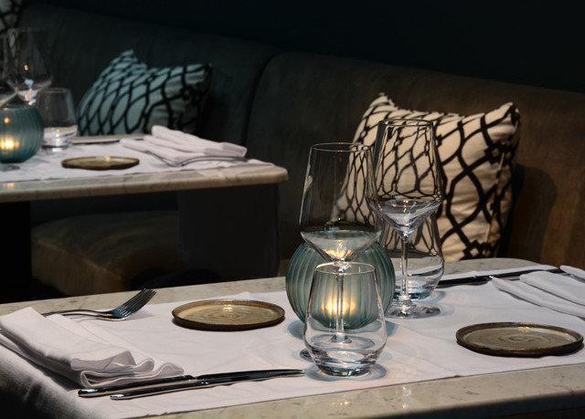 restaurant lighting living room still life set dining table