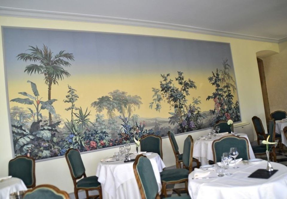 mural restaurant dining table