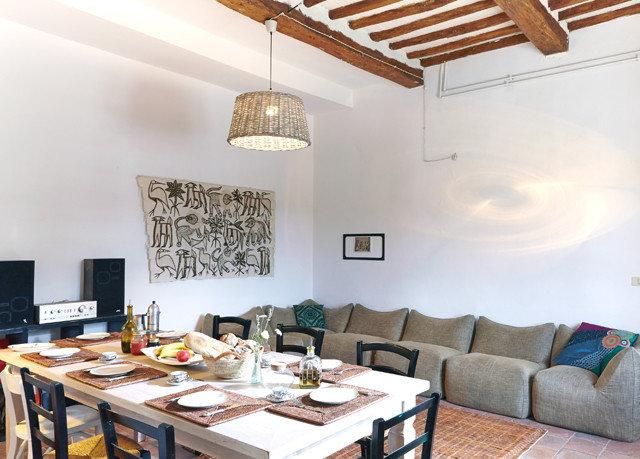 property living room home cottage Villa loft Dining farmhouse set
