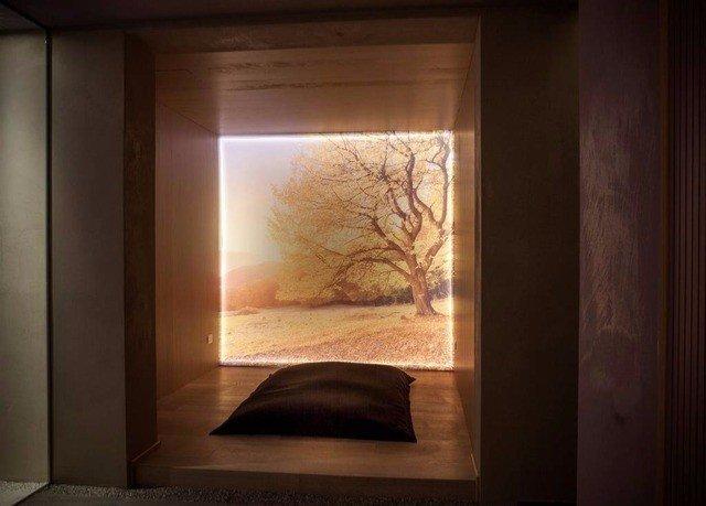 picture frame lighting living room door