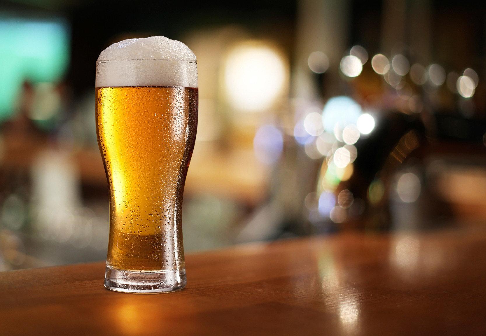 cup Drink beer alcoholic beverage glass alcohol night wooden cocktail distilled beverage pint us beverage close