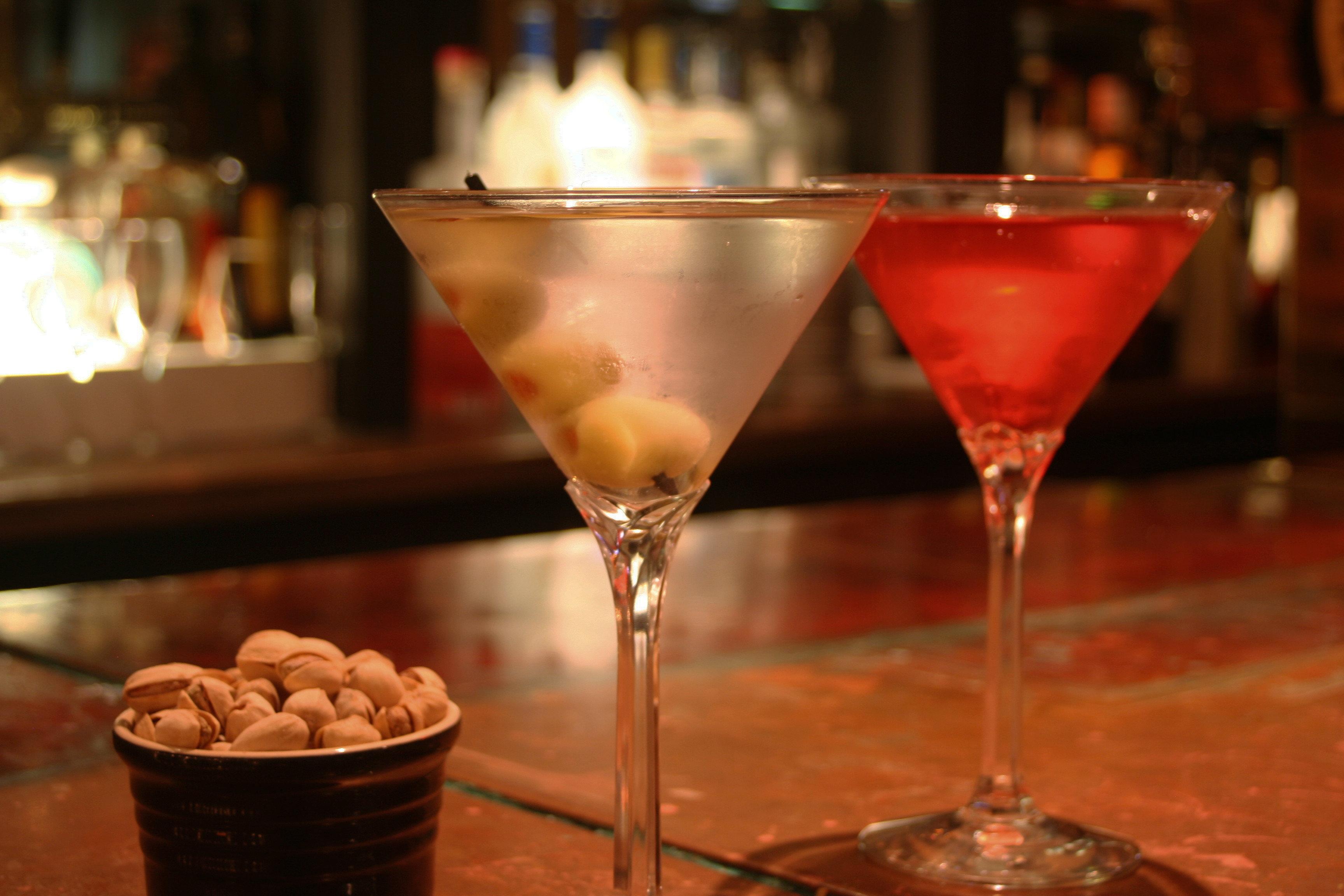 Drink wine glasses glass cocktail alcoholic beverage martini half alcohol cosmopolitan beverage