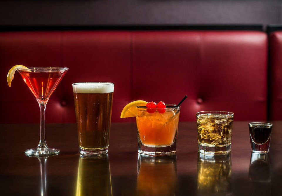 Drink alcoholic beverage cocktail distilled beverage glass alcohol liqueur negroni