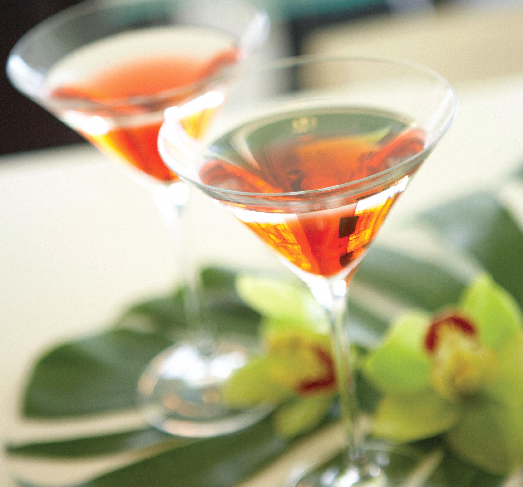 Drink alcoholic beverage cocktail food martini beverage liqueur negroni distilled beverage close