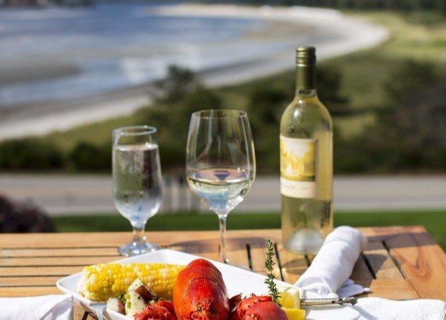 wine food plate alcoholic beverage Drink brunch restaurant sense dinner