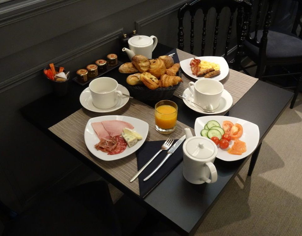 food plate lunch breakfast brunch restaurant dinner cuisine Drink supper dining table