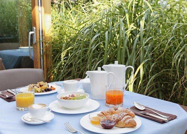 tree plate food breakfast brunch lunch Drink dining table