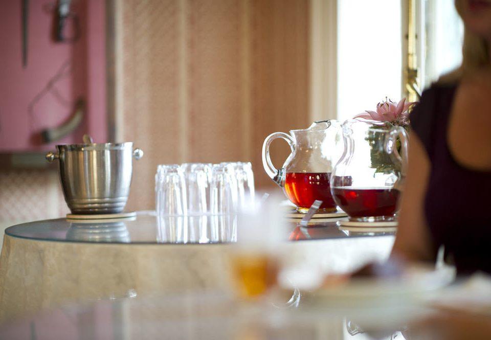 glasses restaurant Drink dinner dining table