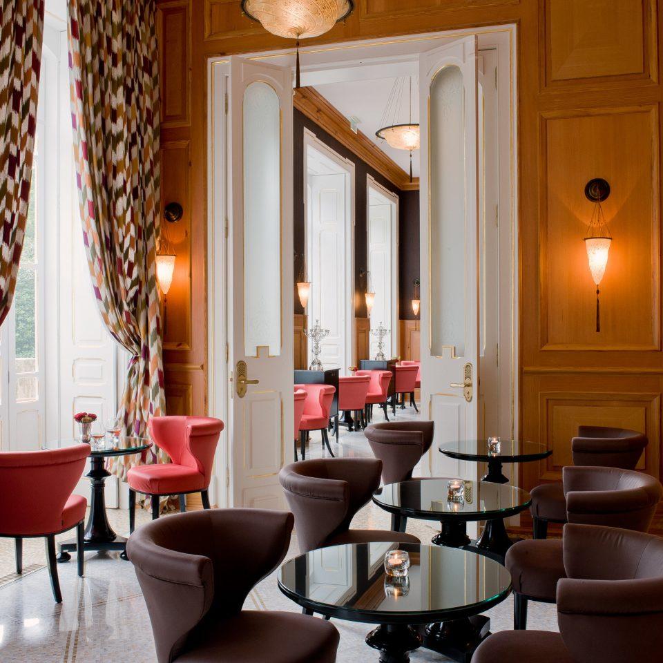 Drink Eat Elegant Lounge property Suite restaurant home living room