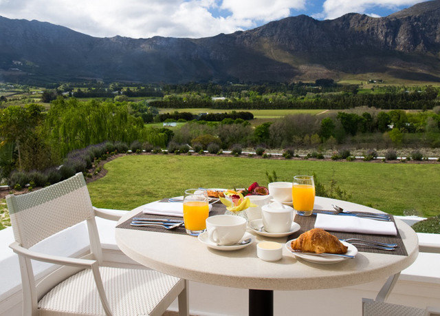 grass mountain plate Drink overlooking