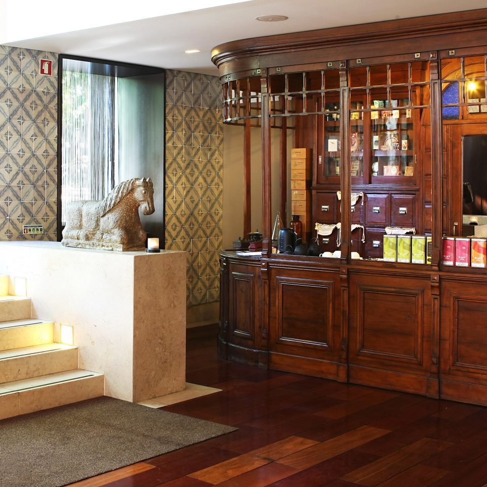 Drink Luxury Modern property cabinetry hardwood home wooden flooring wood flooring cottage