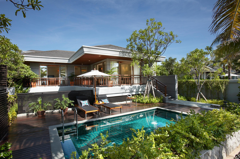 Elegant Exterior Jungle Patio Pool Tropical tree sky swimming pool building property Resort condominium Villa home house backyard mansion eco hotel Garden