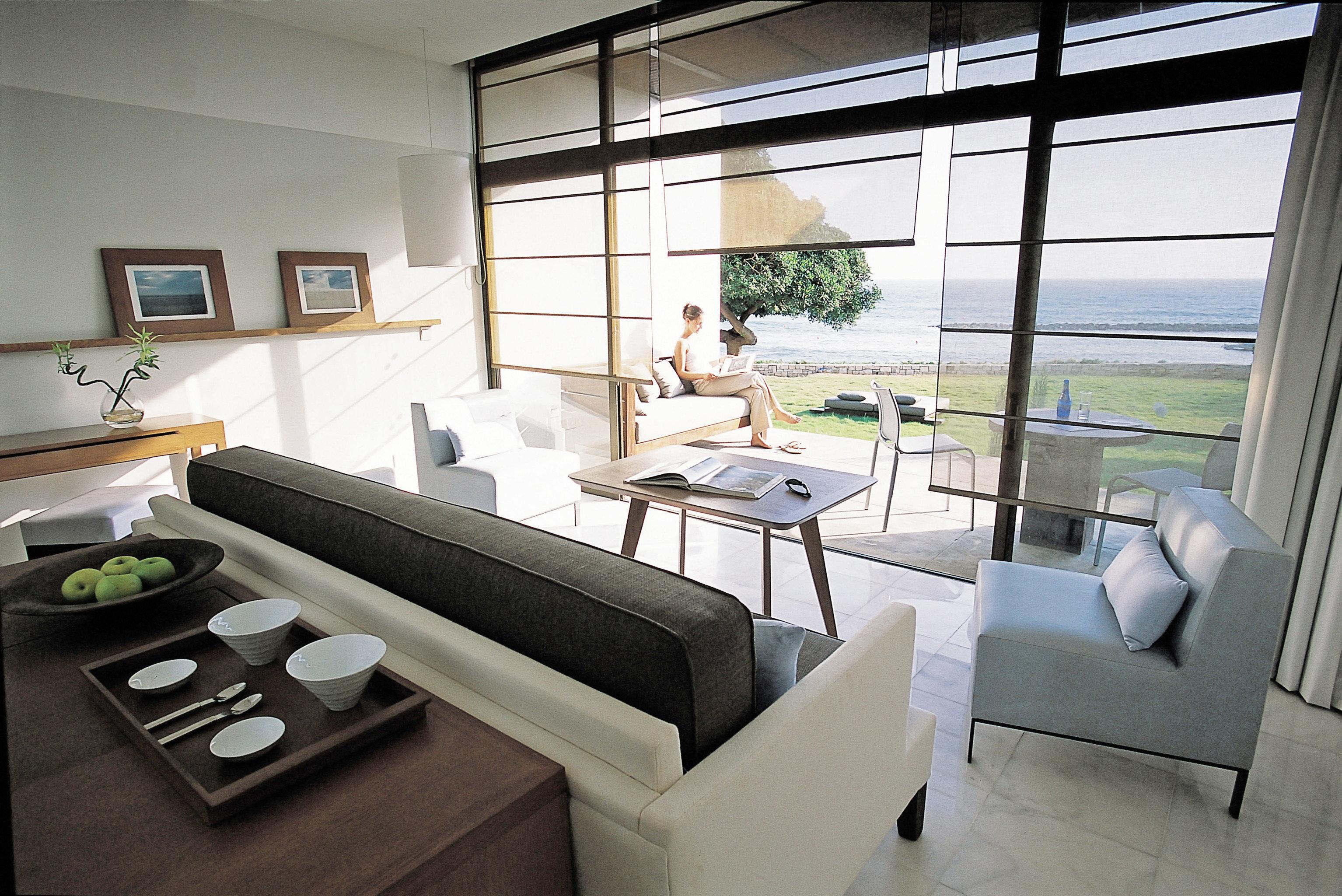 Elegant Family Island Lounge Patio Scenic views Suite Waterfront property condominium home living room cottage Villa