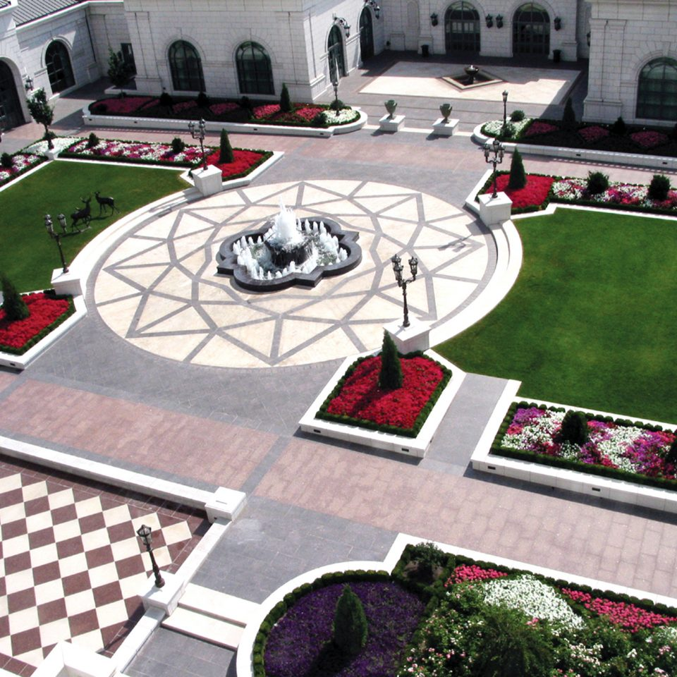 Elegant Garden Grounds Luxury Romantic public space lawn race track sport venue residential area flooring yard urban design backyard Playground plaza landscape architect town square stadium outdoor structure swimming pool landscaping