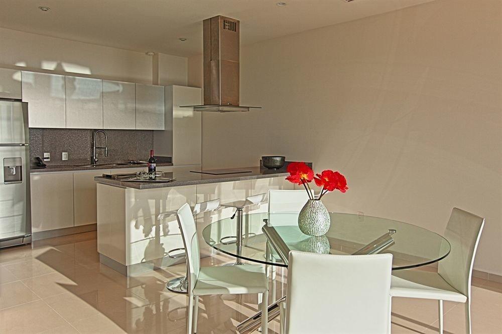Elegant Hip Lounge Luxury Modern Kitchen property home cuisine classique hardwood cottage appliance stainless
