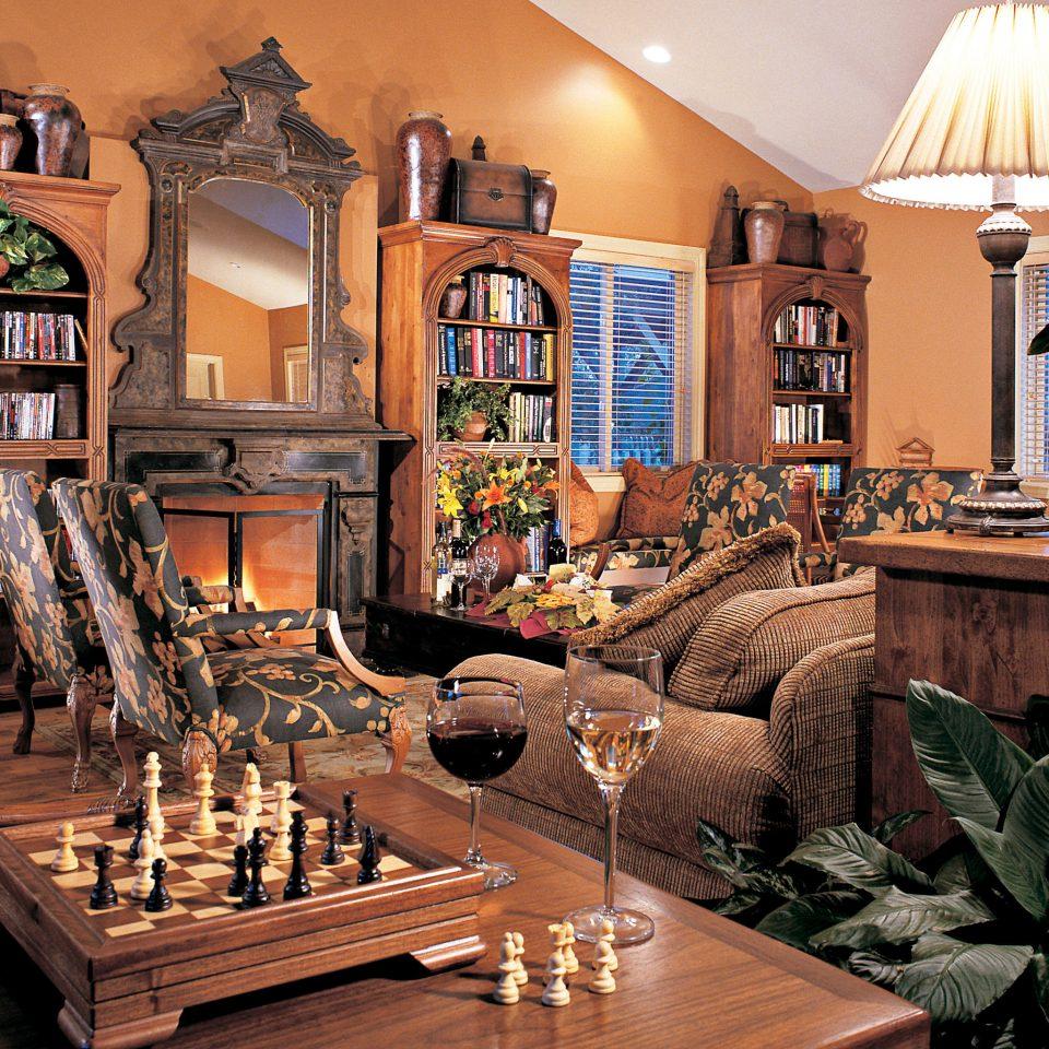 Elegant Hip Lounge Luxury Modern property living room home recreation room mansion restaurant cottage dining table