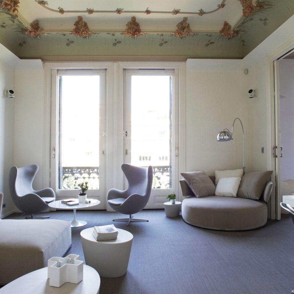 Elegant Hip Lounge Luxury Modern property living room condominium home cottage