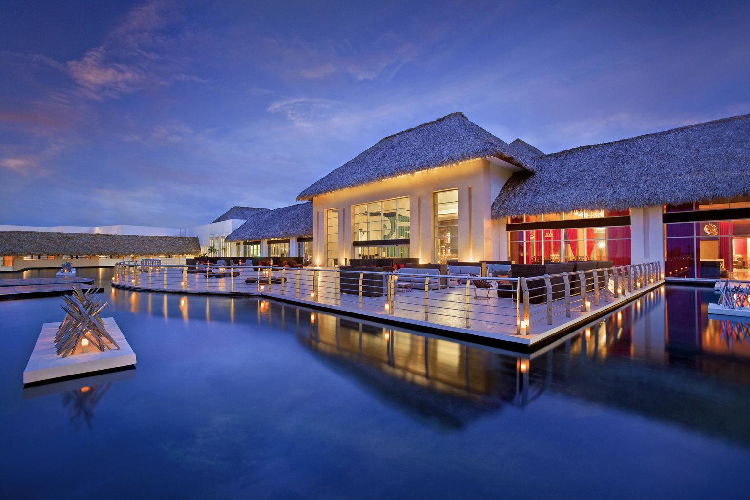 Elegant Hip Luxury Modern Pool sky water scene house night home evening Resort swimming pool dock dusk marina boathouse waterway