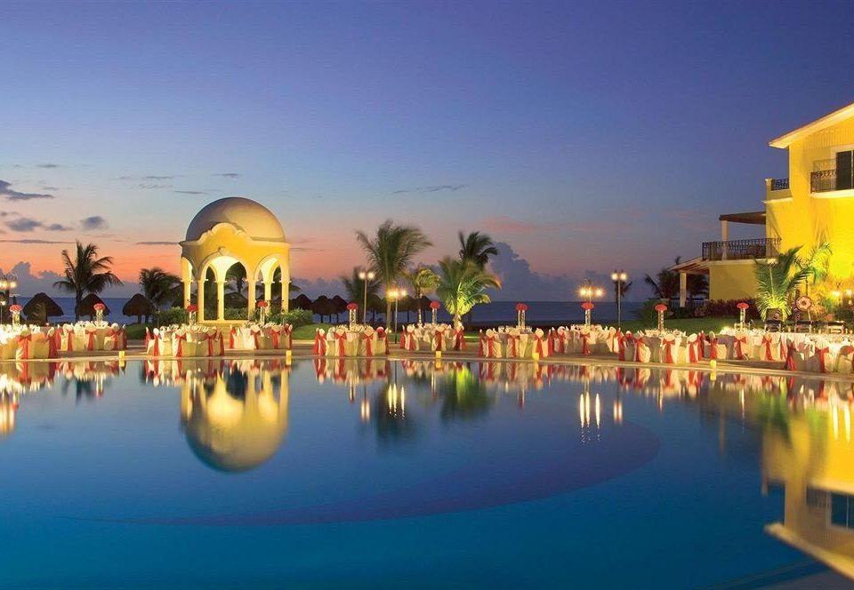 Elegant Hip Luxury Romantic sky water leisure Resort scene plaza palace swimming pool traveling