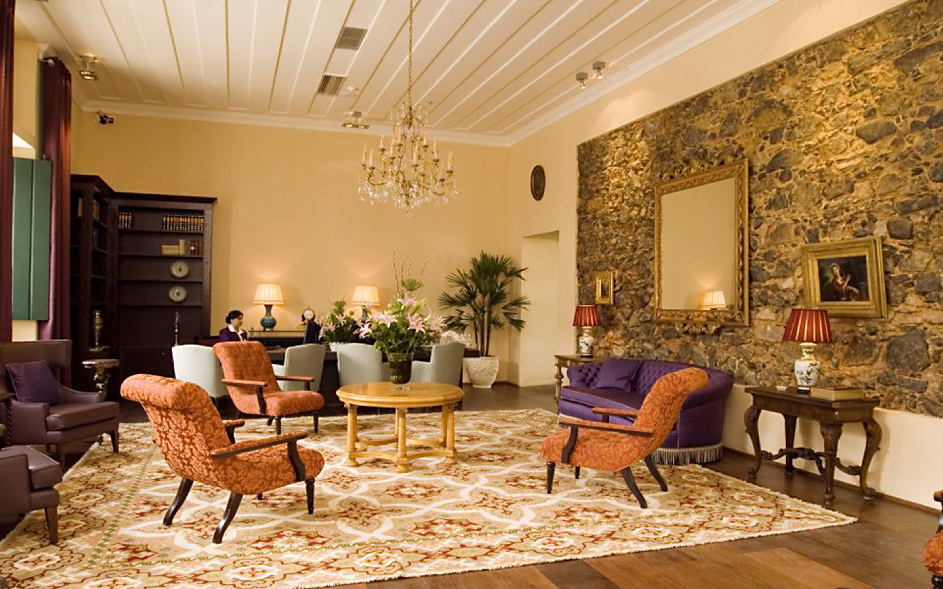 Elegant Historic Lobby Lounge living room property home mansion cottage farmhouse Suite Villa