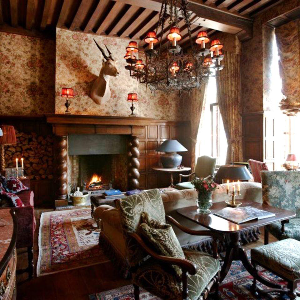 Elegant Historic Lounge Luxury Romantic restaurant living room home cottage