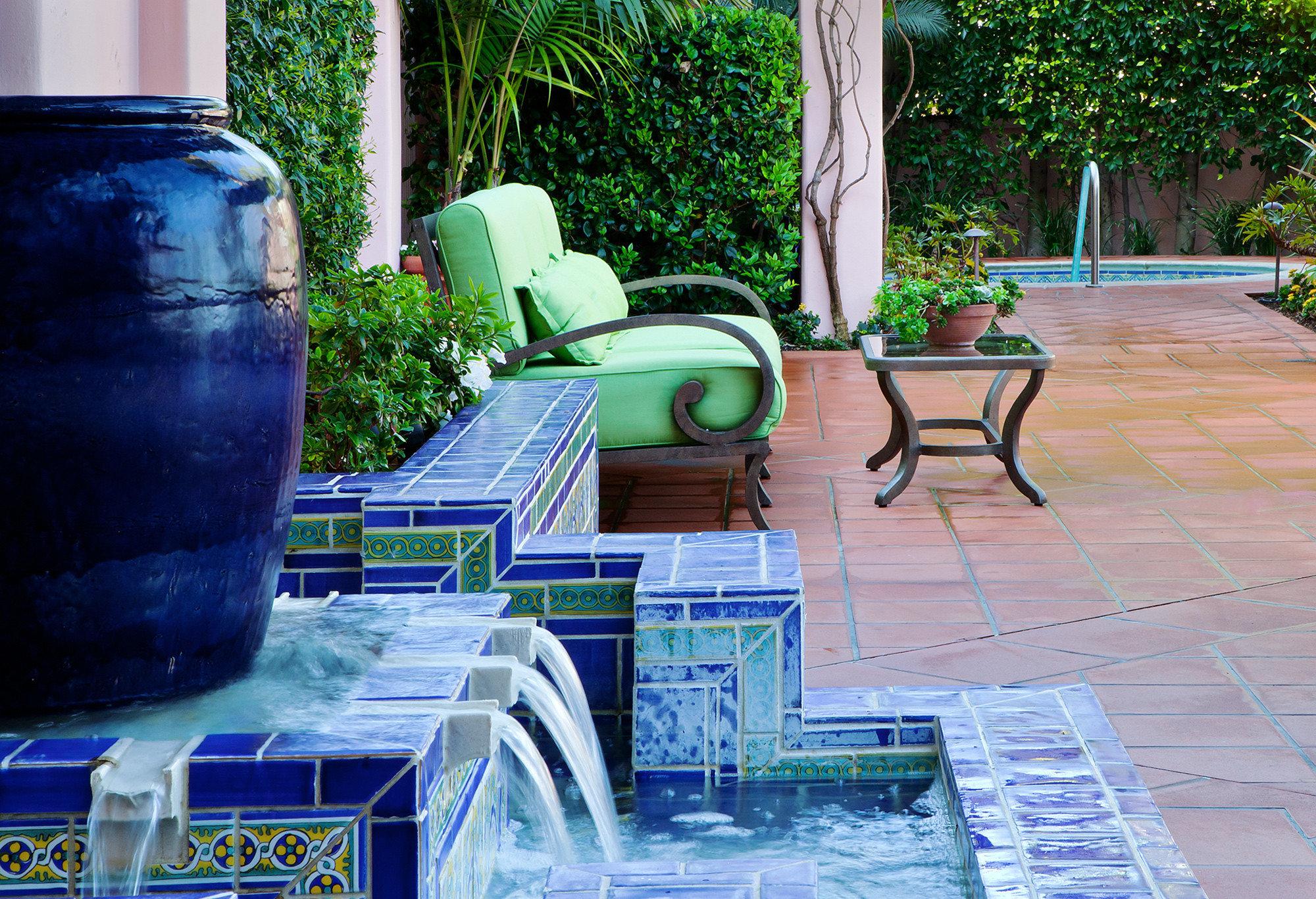 Elegant Hot tub Hot tub/Jacuzzi Luxury Patio Terrace tree leisure swimming pool backyard