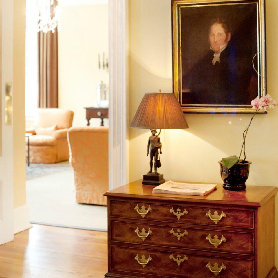 Elegant Inn wooden hardwood chest of drawers living room home cabinetry lamp