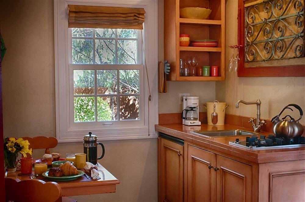Elegant Lounge Luxury Kitchen property home cabinetry hardwood living room cottage cuisine classique cluttered