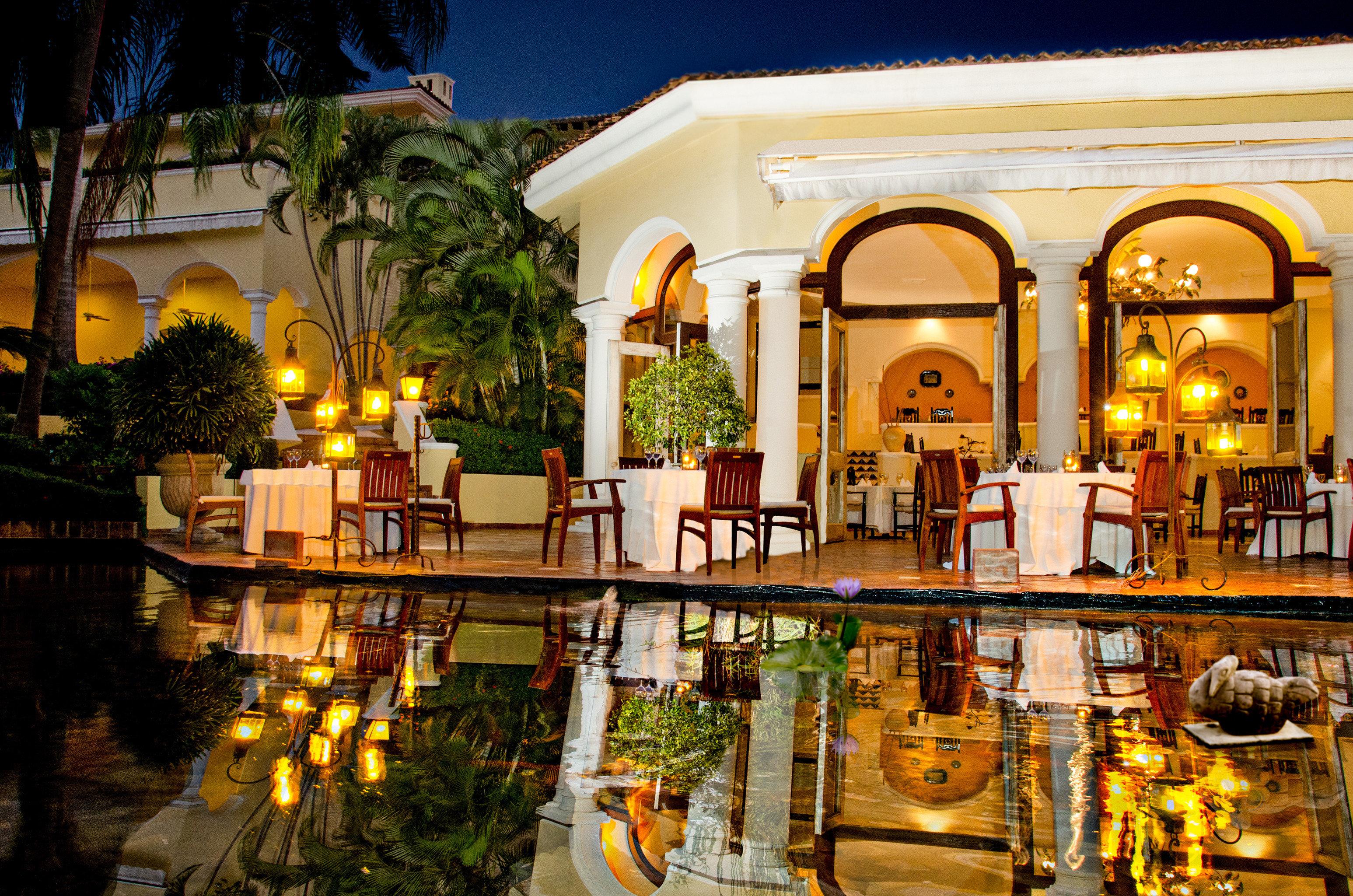 Elegant Lounge Luxury Modern Pool night restaurant plaza