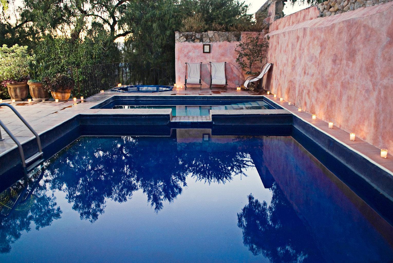 Elegant Lounge Luxury Pool tree swimming pool property backyard reflecting pool waterway