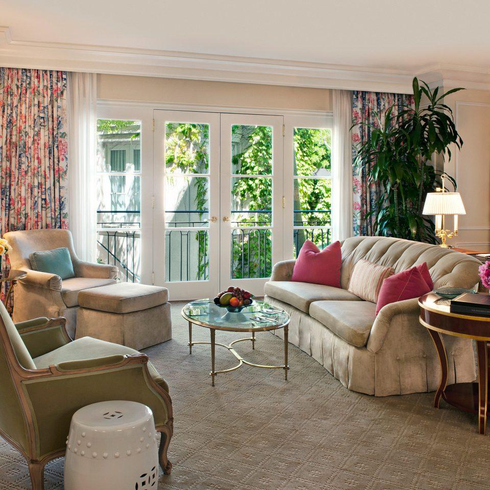 Elegant Lounge Luxury sofa property living room chair home condominium waiting room Suite
