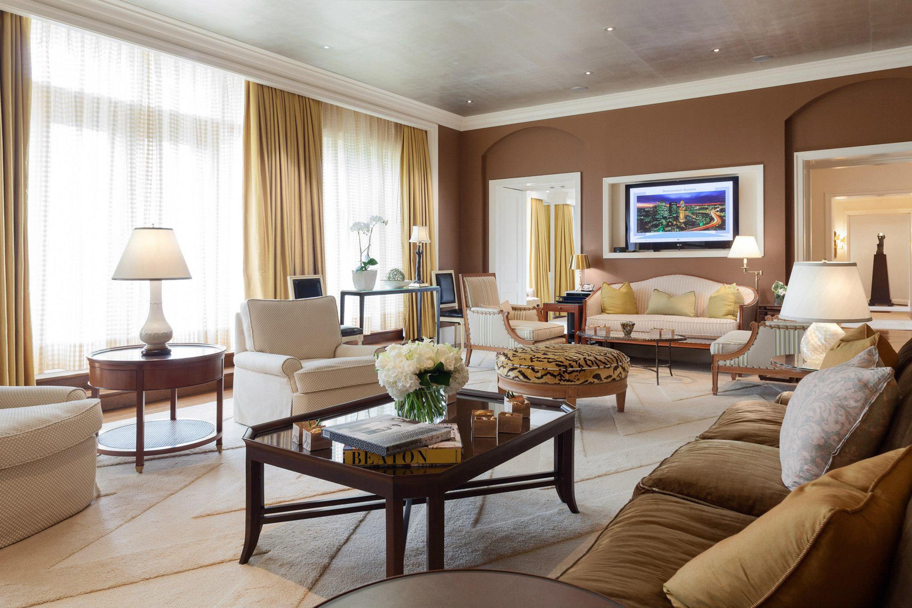 Elegant Lounge Luxury sofa living room property Suite home condominium hardwood