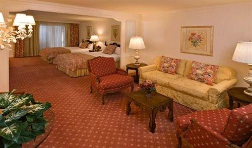 Elegant Lounge property Suite Resort living room cottage Villa