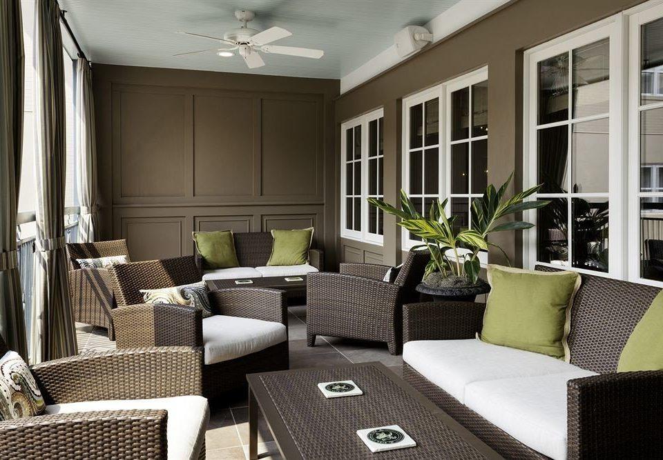 Elegant Lounge living room property home condominium Suite cottage porch